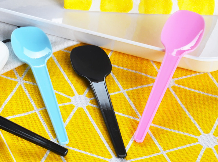 (Box) Disposable Spoon Ice Cream Scoop Ice Cream Dessert Tableware Thickened 10Cm Plastic Dessert Jelly Spoon (Door Delivery Included)