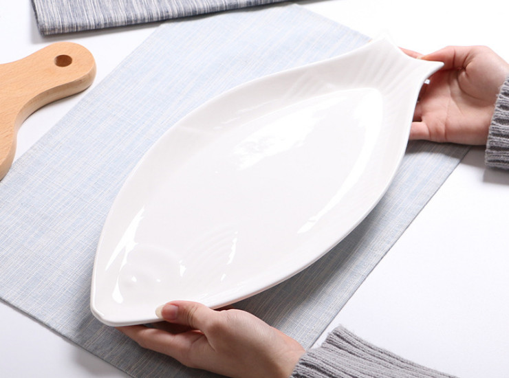 Ceramic Pure White Oval 16 Inch Pure White Embossed Fish Plate Household Dish Steamed Fish Plate Hotel Tableware Ceramic Plate