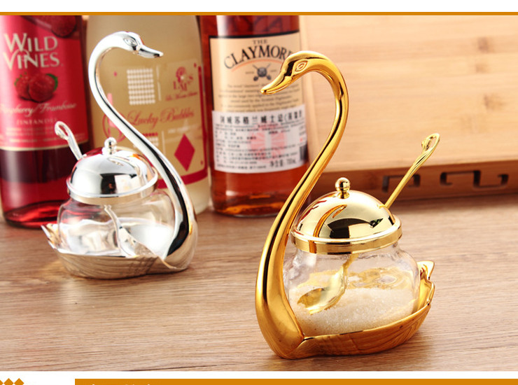 Creative Seasoning Tank Glass Seasoning Bottle Cute Coffee Sugar Cup Swan Salt Cans European Sauce Pans