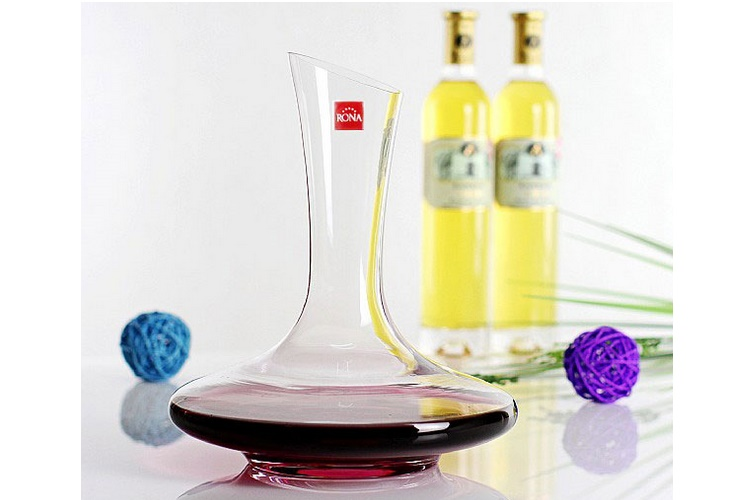 Czech Rona Lead-free Crystal Glass Tilted-mouth Decanter Wine Distributor 1500ml